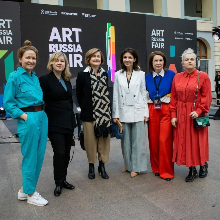 Read more about the article Искусство в онлайн-массы: Юлия Амбарцумян выступила на Art Russia Fair
